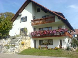 Ferienwohnung Baur Haus Frontansicht
